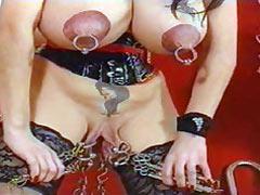Pierced whore wants sex