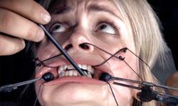 Winnie Rider gets facial torture