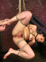 Squirting sub girl first time bondage