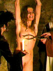 Witch Hanne gets a Medieval whipping