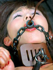 Japanese girl shackled